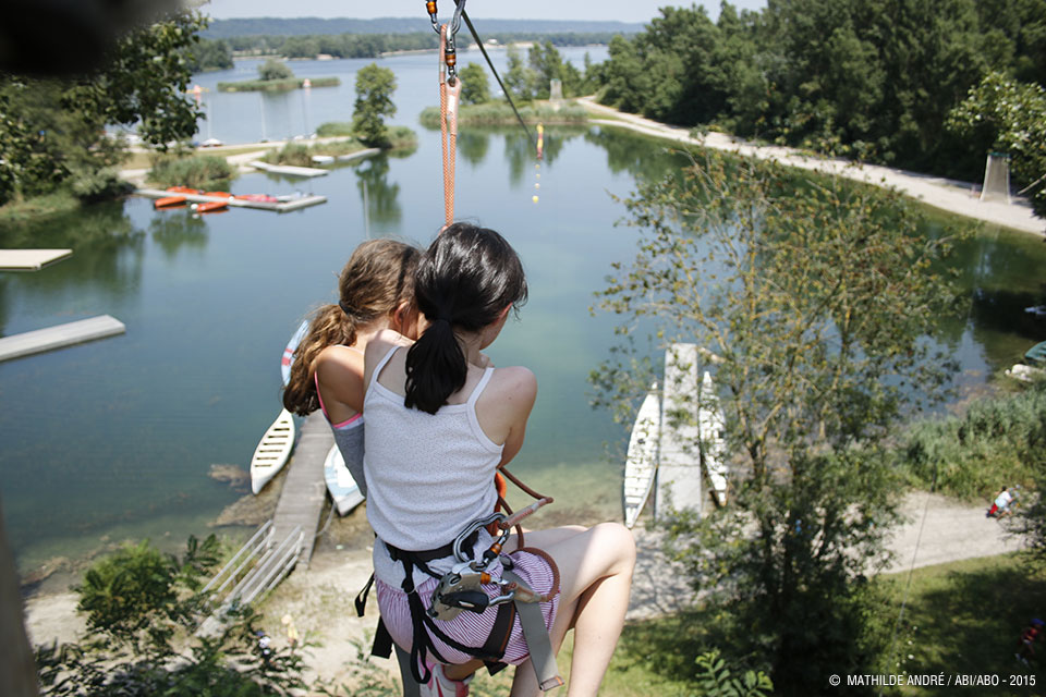 Tyroliennes, pont de singe, mur d'escalade